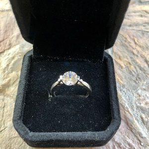 Beautiful Engagement Ring Size 7